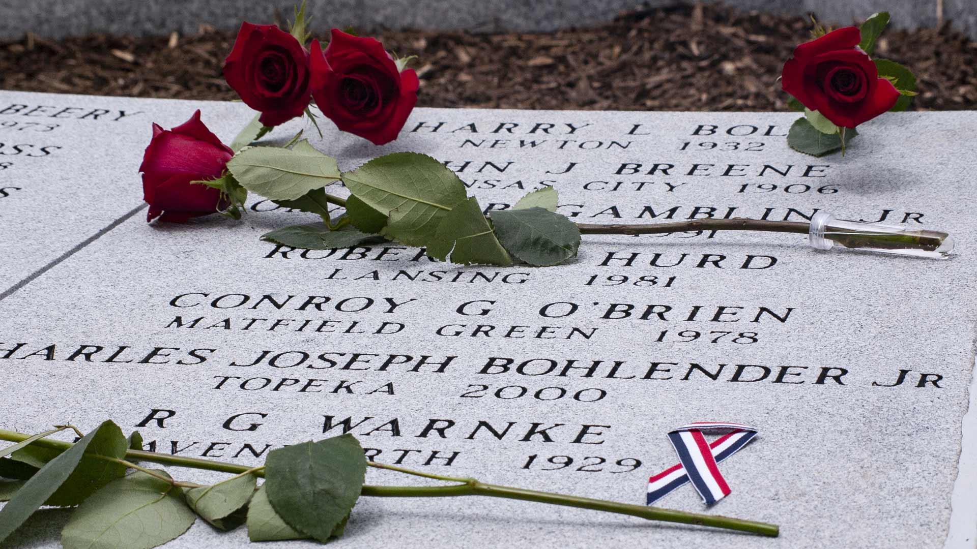 Rose flowers on memorialLayer-21